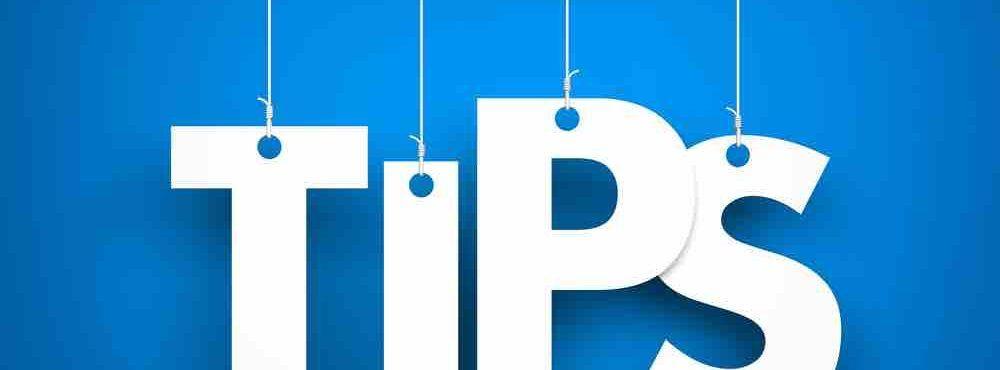 Tipps aus hängenden Buchstaben dargestellt